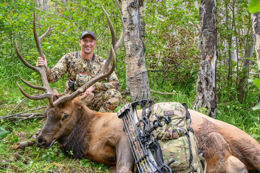 Brett Bueltel 6x6 Wyoming archery bull elk